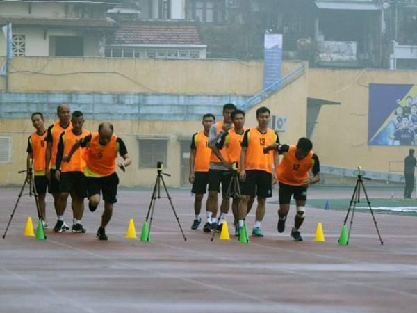 Bóng đá trong nước 4/2: Nhiều trọng tài Việt Nam bị trượt bài thi thể lực
