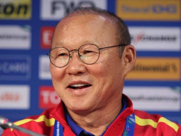 Bóng đá trong nước 2/4: VFF gửi lời nhắn nhủ tới HLV Park Hang Seo về chuyện giảm lương