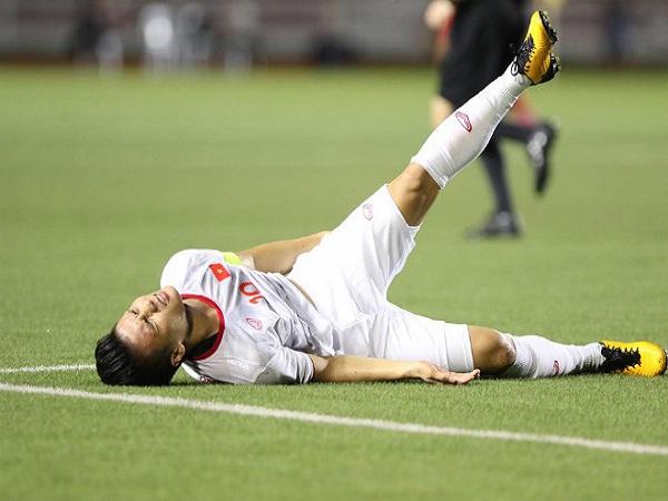 Cách xử lý chấn thương cơ háng khi đá bóng