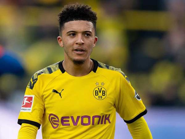 Bóng đá quốc tế chiều 23/12: Dortmund cấm mục tiêu của MU trở lại Anh
