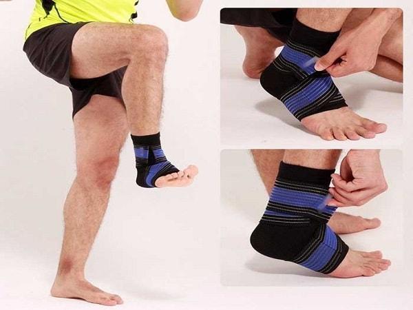 Hướng dẫn cách băng cổ chân khi đá bóng