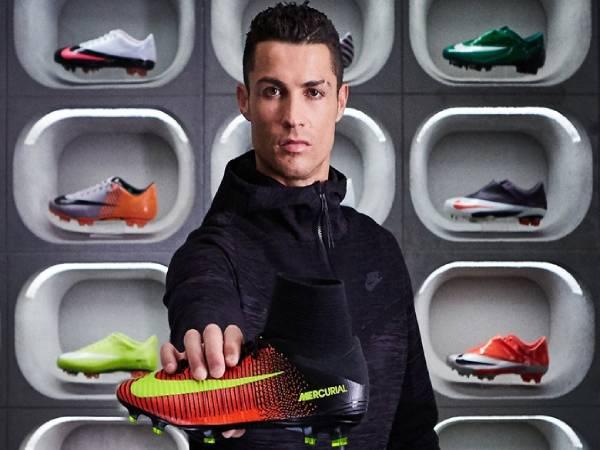 Tủ giày của Ronaldo gây sốc với trị giá cả chục tỷ đồng