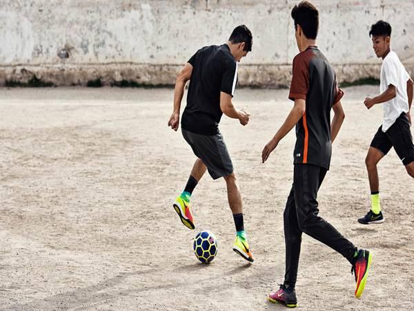 Cách rê bóng cơ bản hiệu quả cho người mới chơi bóng